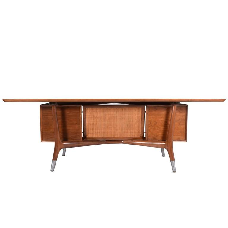 Large Executive American Desk Attributed To Stow Davis At