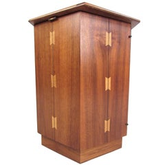 Mid-Century Modern American Walnut End Table by Lane Furniture