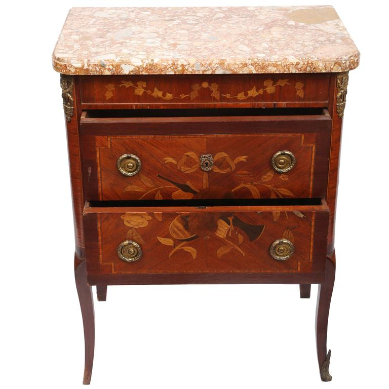 19th century french petite commode for sale at 1stdibs. Black Bedroom Furniture Sets. Home Design Ideas