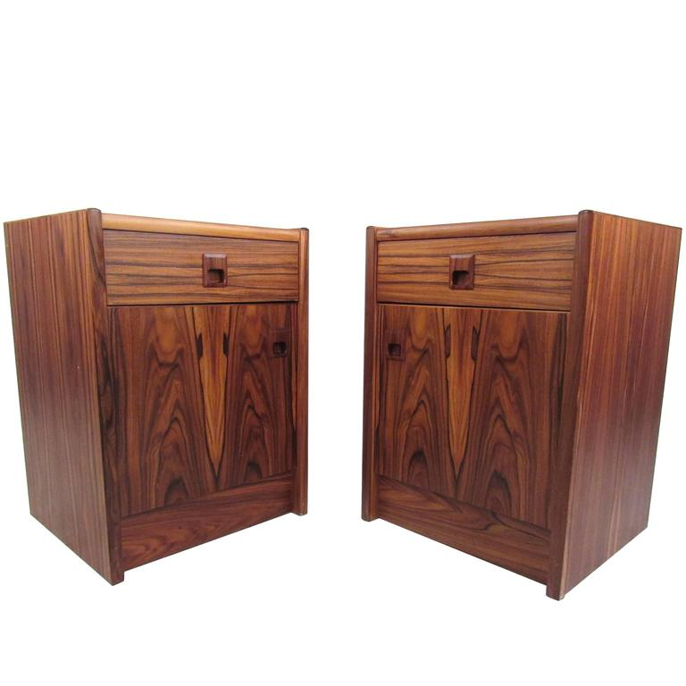 Pair of Danish Modern Nightstands For Sale