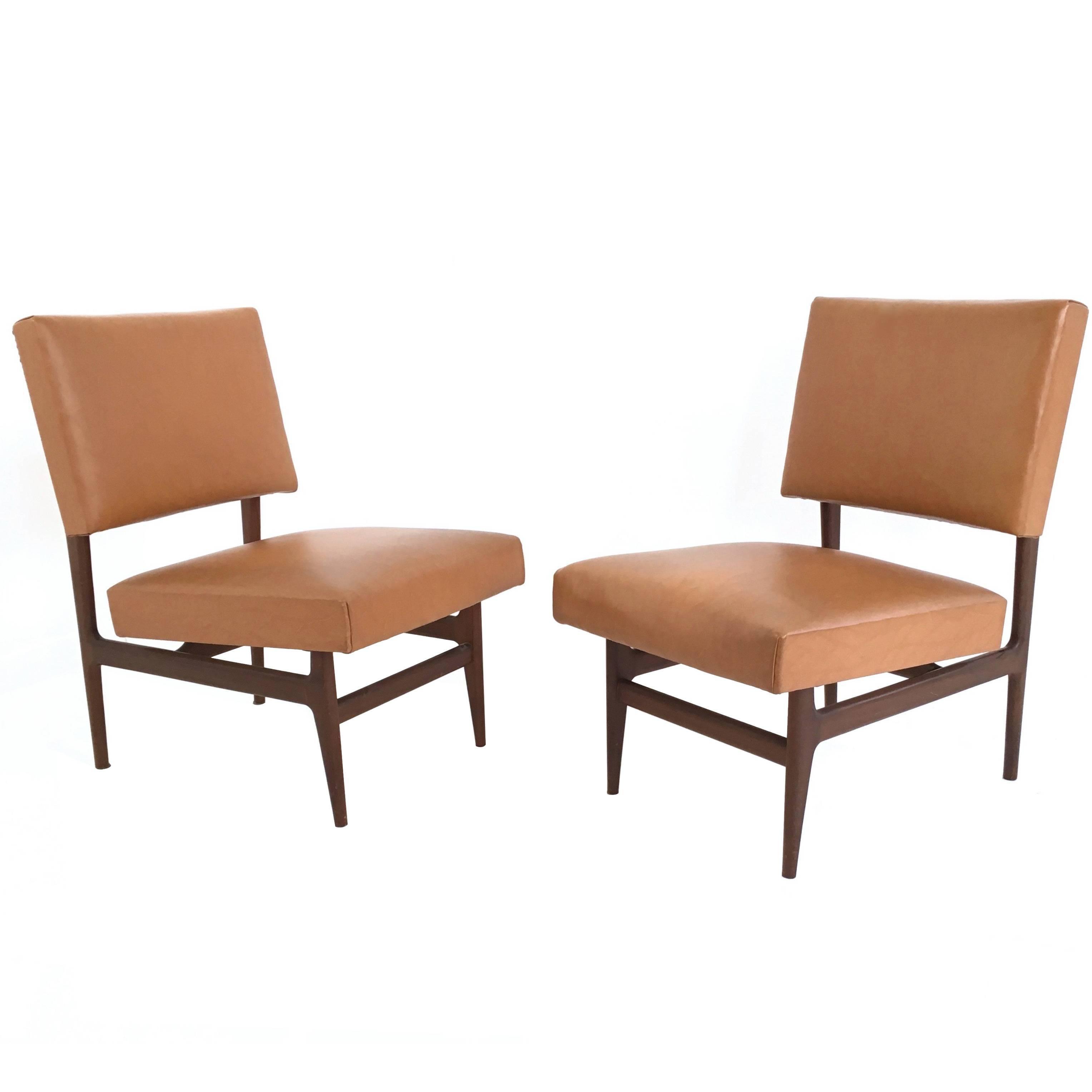 Pair of Midcentury Camel Skai Lounge Chairs with Ebonized Wood Frame, 1950s