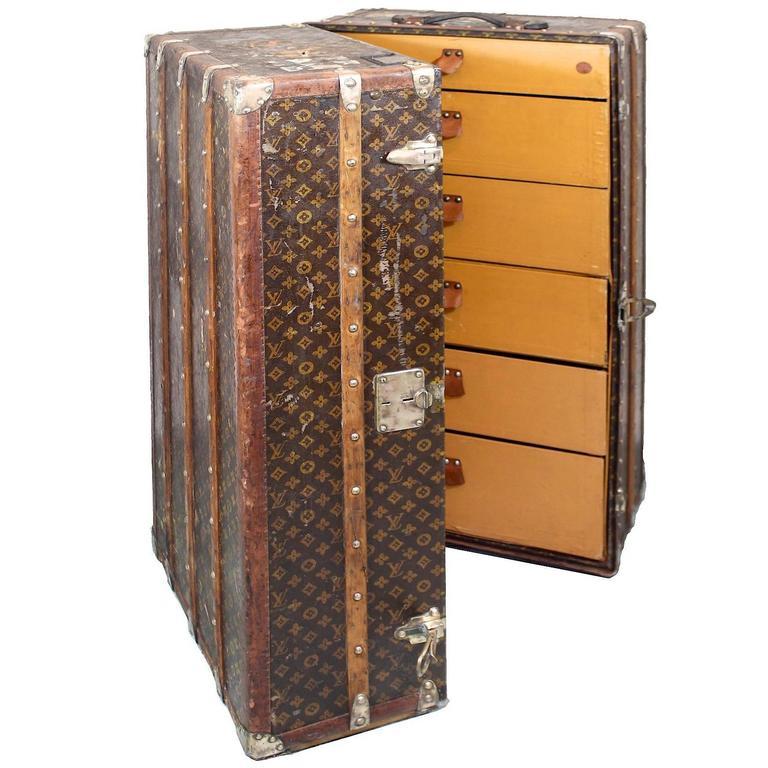 1920s sybil whigham estate louis vuitton steamer wardrobe trunk for sale - Wardrobe Trunk