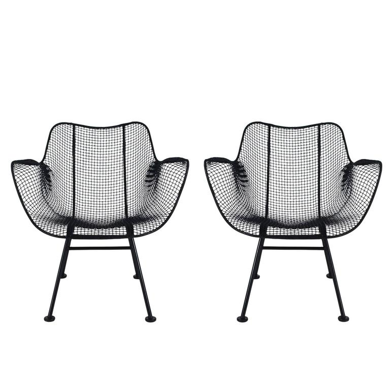 Mid-Century Modern Pair of Sculptural Patio Wire Lounge Chairs, Russell Woodard For Sale
