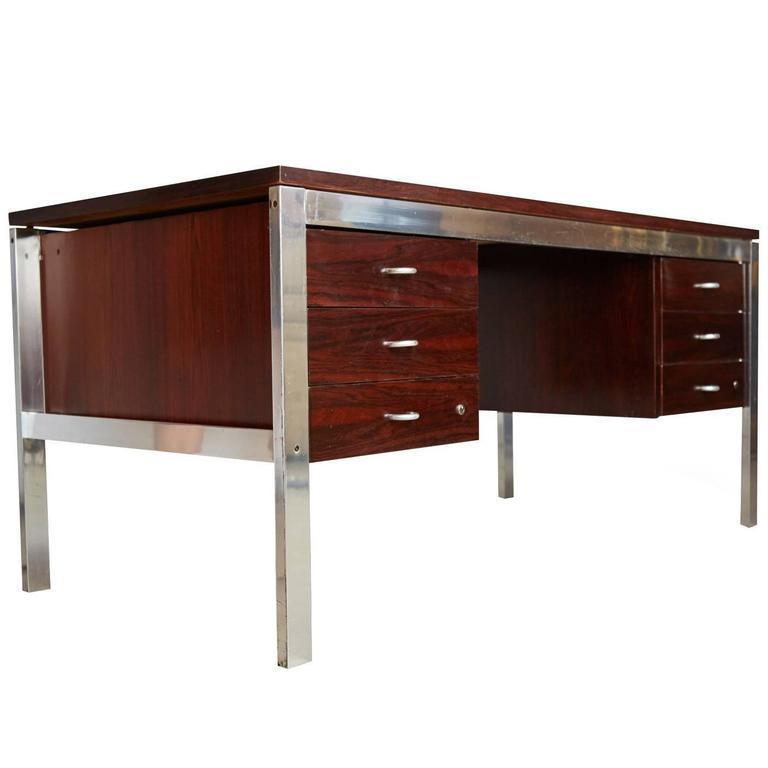 "Rosewood and Aluminum ""Escriba"" Desk by Tora Brazil, circa 1970, Restored"
