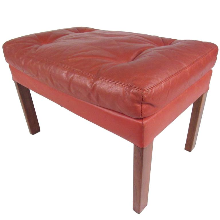 danish modern tufted leather ottoman for sale at 1stdibs. Black Bedroom Furniture Sets. Home Design Ideas