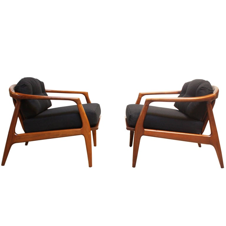 Pair of Sculptural Walnut Lounge Chairs by Milo Baughman for Thayer Coggin