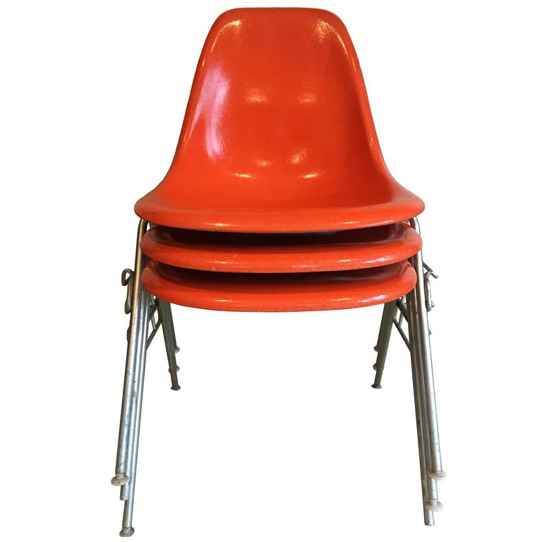 18 Orange DSS Herman Miller Eames Vintage Fiberglass Chairs For Sale