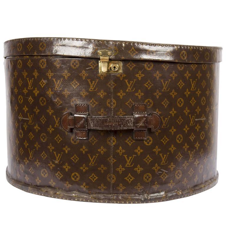 b0a674c103 Louis Vuitton Round Hatbox in monogram canvas