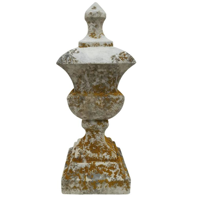 19th Century White Marble Finial - Sculpture