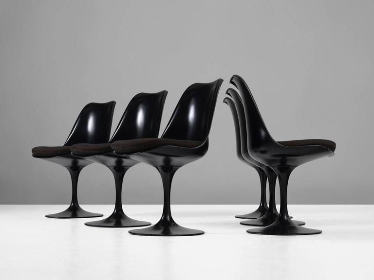 Metal Eero Saarinen Set of Six Swivel Chairs for Knoll International