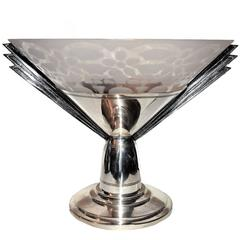 Art Deco Silver Plated Bronze and Etched Crystal Glass Coupe Bowl, circa 1930