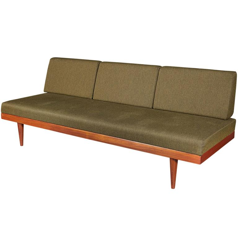 Mid Century Green Sofa / Daybed by Ekornes 1