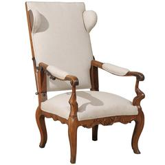 18th Century Italian Wooden Reclining Armchair Upholstered in Belgian Linen