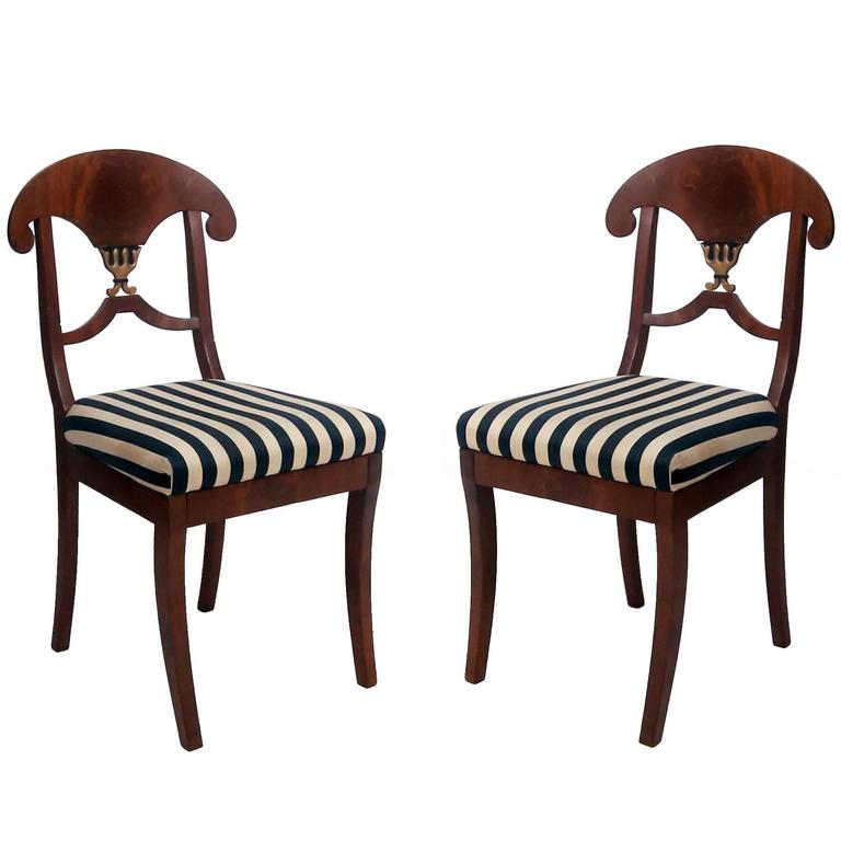 Pair of Swedish Mahogany Karl Johan Biedermeier Side Chairs, circa 1825 For Sale