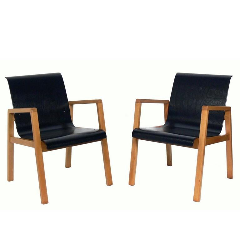 Pair of Bentwood Modern Lounge Chairs Designed by Alvar Aalto, circa 1940s For Sale