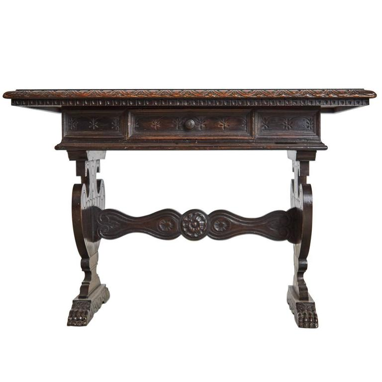 19th Century Italian Renaissance Revival Carved Coffee Or Side Table