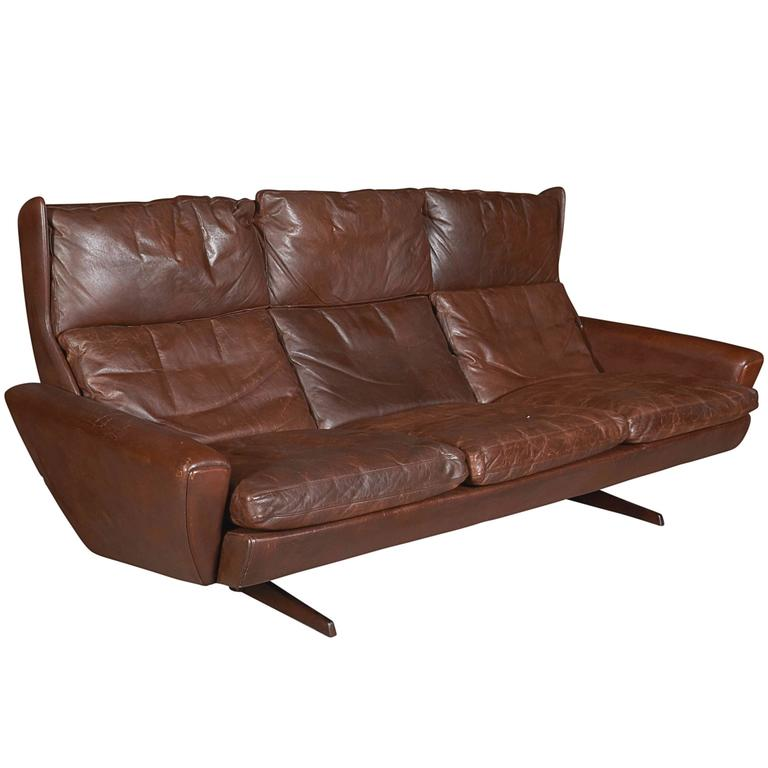 Atomic Brown Leather Sofa by Fredrik Kayser 1
