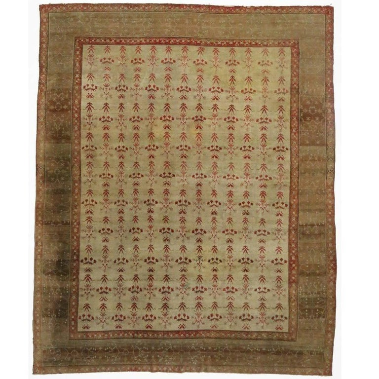 Antique Indian Agra Rug with Modern Traditional Style For Sale