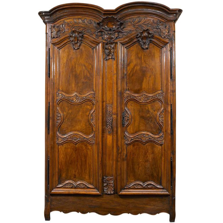 Gentil French Provincial Double Door Armoire For Sale