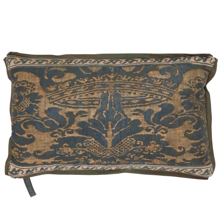 A Fortuny Fabric Lumbar Cushion in the Corone Pattern 1