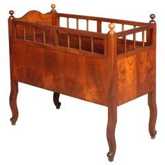 19th Century Cradle Baby Cot in Walnut sanitized and wax polished