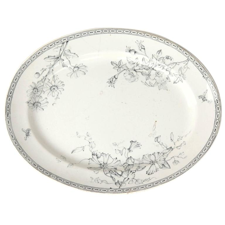 19th Century Wedgewood Oval Ceramic Charger For Sale