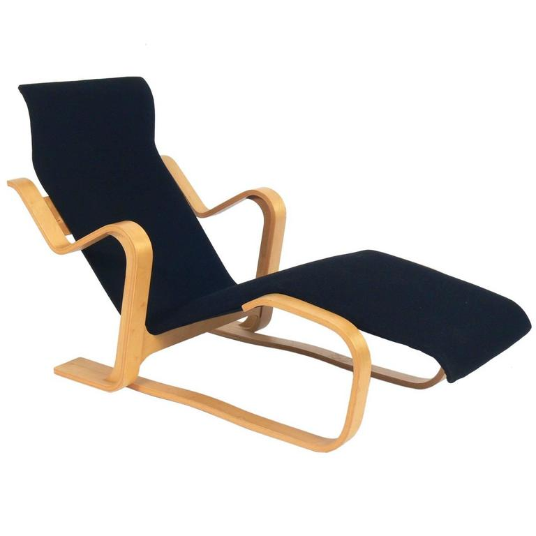 Sculptural bentwood chaise longue by marcel breuer at 1stdibs for Chaise bentwood