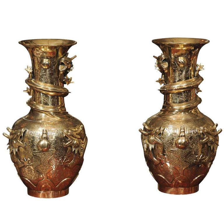 Pair of Chinese Bronze Vases For Sale