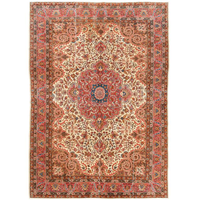 Traditional Turkish Rug With A Classic Design For Sale At 1stdibs