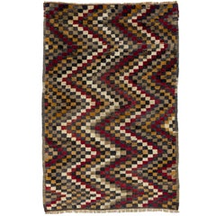Checkered Zig Zag Design Tulu Rug