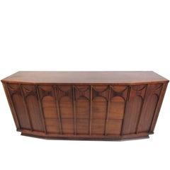 Mid-Century Walnut Broyhill Style Dresser