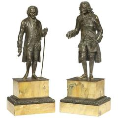 Ein Paar antiker Bronze-Skulpturen von Rousseau und Voltaire