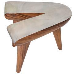 """V"" Table by Gabriela Valenzuela-Hirsch and Muriel Haerens"