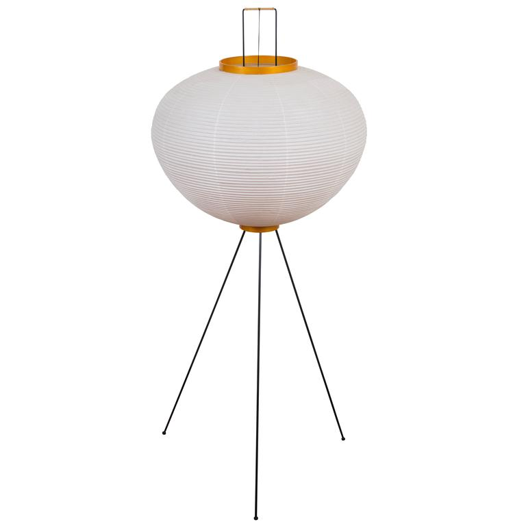 Isamu Noguchi Akari 10A Floor Lamp For Sale at 1stdibs