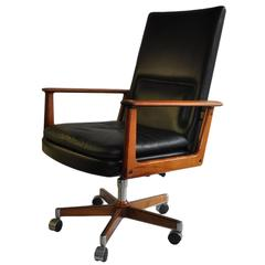 Arne Vodder executive chair, rosewood and leather.