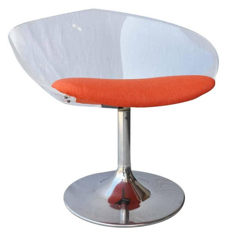 Superbe Mid Century Lucite Swivel Chair With Chrome Tulip Base For Sale