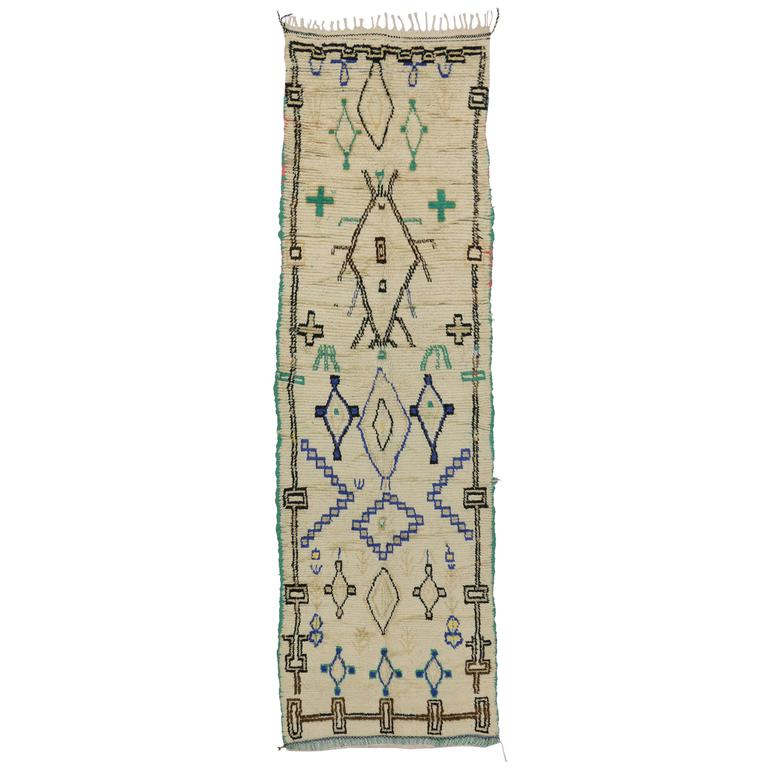 Boho Chic Vintage Berber Moroccan Azilal Rug with Modern Tribal Design For Sale