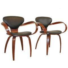 """Pair of Mid-Century Modern """"Levinger"""" Chairs by Goldman Chair, Pretzel Chair"""