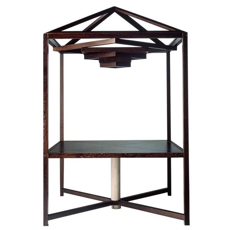 Megaron Table
