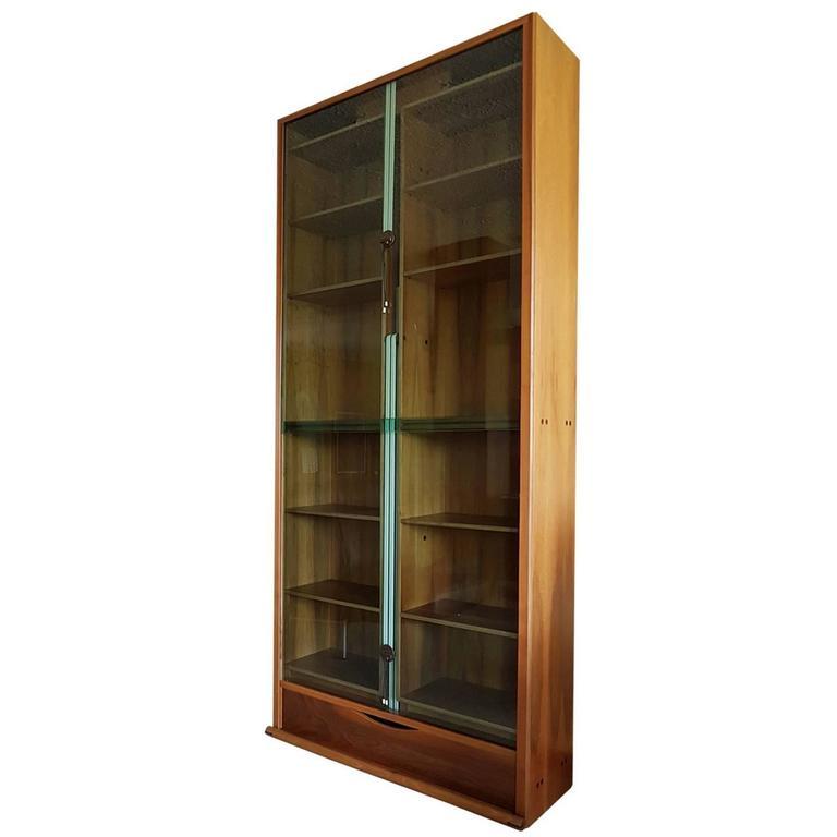 "Carlo Scarpa Walnut Italian Bernini ""Zibaldone"" Bookcase with Crystal Glass Door For Sale"