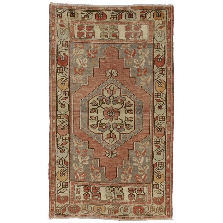 Vintage Turkish Oushak Rug With Traditional Style In Soft