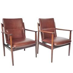 Pair of Midcentury Rosewood Armchairs by Arne Vodder