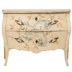 Italian Hand-Painted Early 20th Century Bombé Chest of Drawers in Cream Color