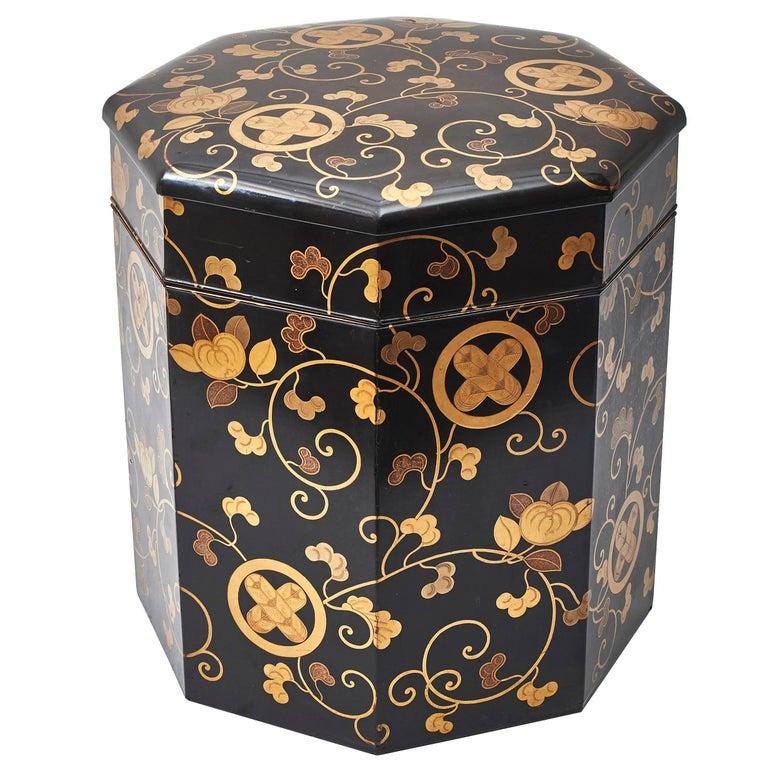 Japanese Black Lacquer Bento Box With Gilt Maki E Decoration Circa 1900 For Sale