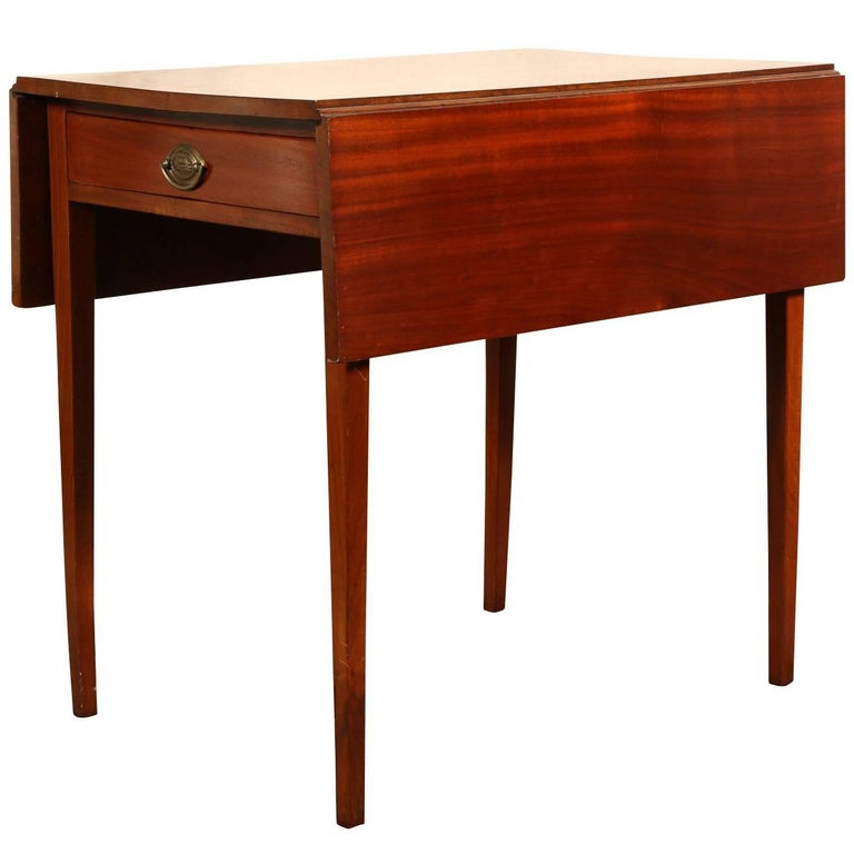Antique new york chippendale pembroke table at 1stdibs for Table new york