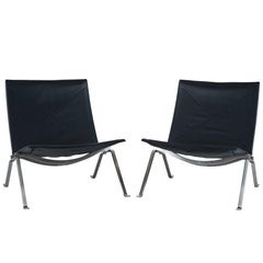 Pair of Poul Kjaerholm PK 22 Lounge Chairs by Fritz Hansen