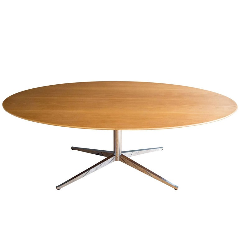 florence knoll oval star base conference or dining table for sale at 1stdibs. Black Bedroom Furniture Sets. Home Design Ideas