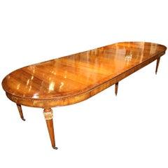 18th Century, Italian Parcel-Gilt Walnut Expanding Dining Table