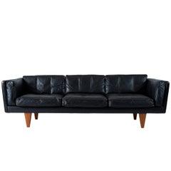 Illum Wikkelsø V11 Sofa
