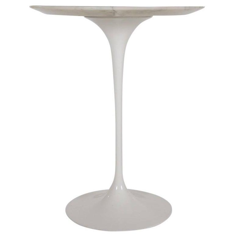 Mid-Century Modern Knoll Eero Saarinen White Tulip Carrara Marble Side Table